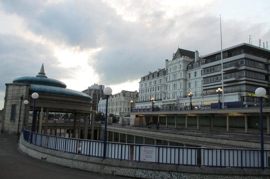 Cavendish Hotel: View from the Bandstand