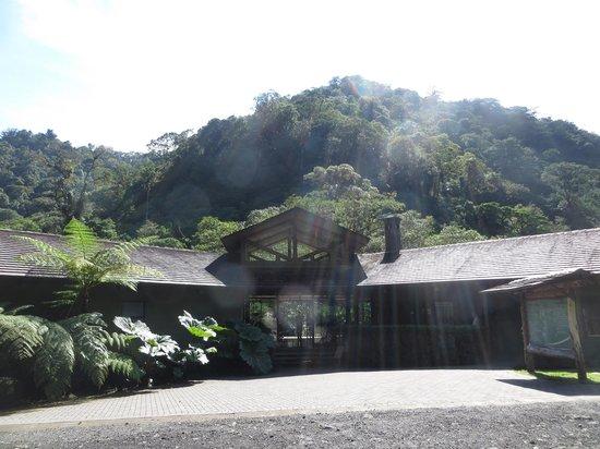 El Silencio Lodge & Spa: Hotel Entrance