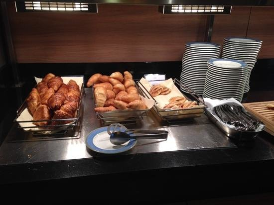 SI-Suites: Frühstücksbuffet