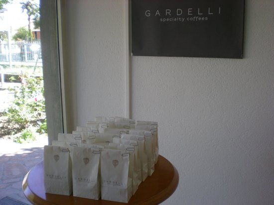 Gardelli Coffee: 24 coffee samples to select