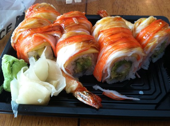 Kanpai: Sushi roll created just for me!