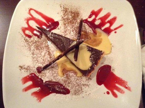 The Duke: Yummy Baileys Chocolate Torte with Vanilla Sauce :)