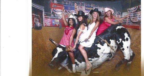 Billy Bob's Texas: Cowgirls!