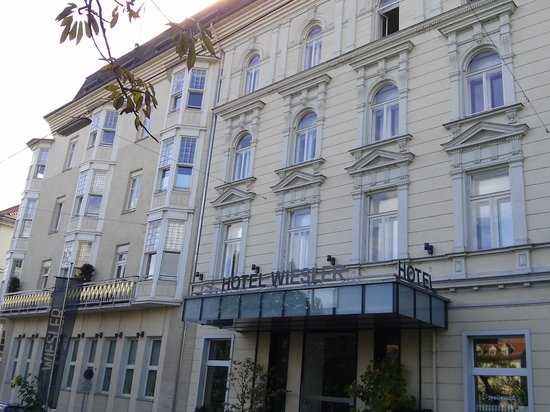Hotel Wiesler : front of hotel