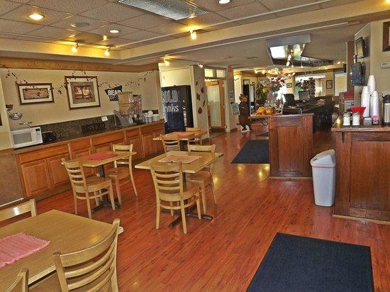 ترافل لودج كاليسبل: Lobby & Breakfast Area
