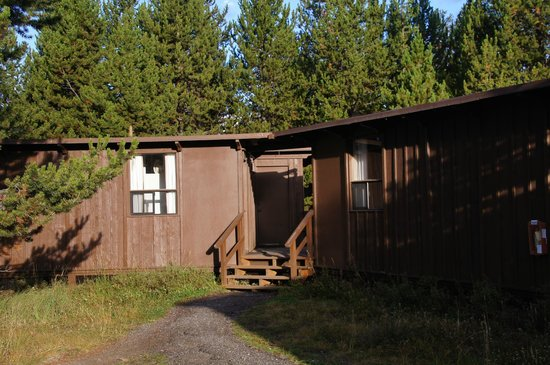 Canyon Lodge and Cabins : Exterior of the so-called cabin