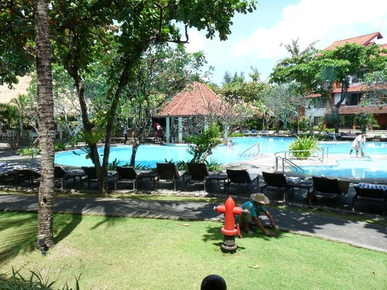 Sol Beach House Bali Benoa by Melia Hotels International: the pool and the view from our room