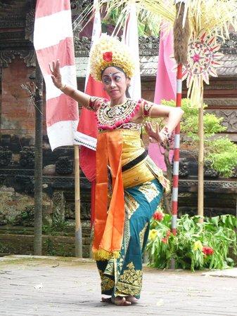 Sol Beach House Bali Benoa by Melia Hotels International: balinese dancer