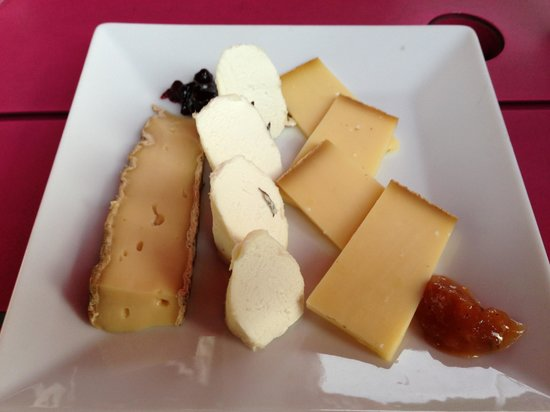 Fauchon's cheese plate
