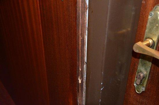 Botel Marina: Tür