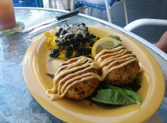 The Pub Waterfront Restaurant & Lounge: Grouper Cakes.....Scrumptious!