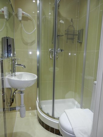Grantly Hotel: Bath