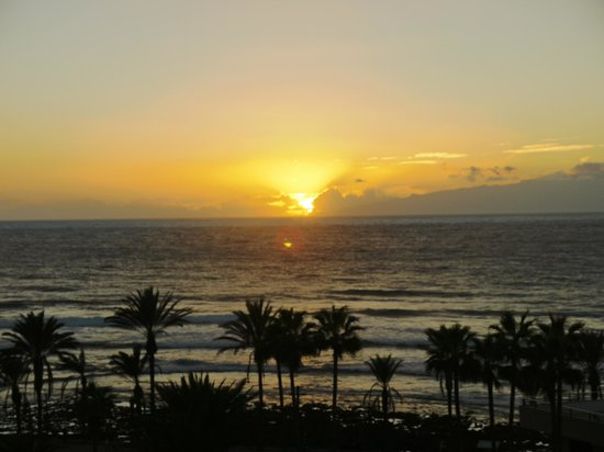 H10 Conquistador : Sunset from the balcony