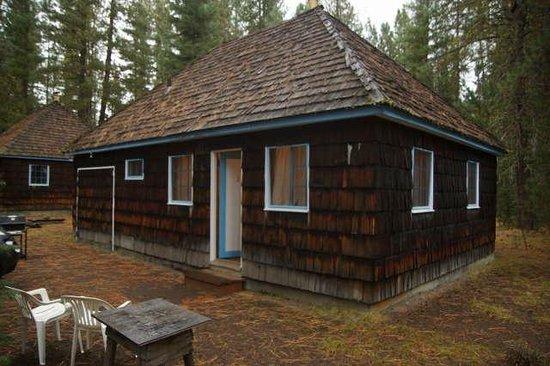 Wilson's Cottages: Cabin #3 exterior.