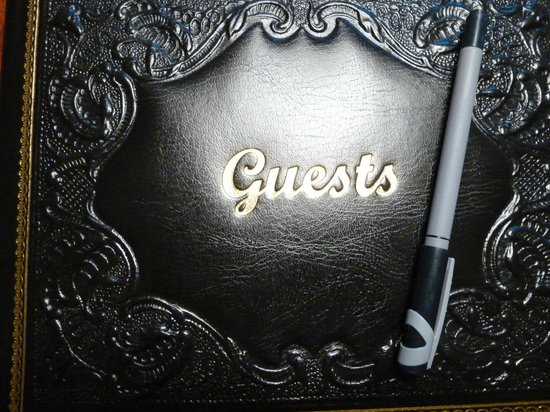 Hawthorne Park Bed and Breakfast : Guest book