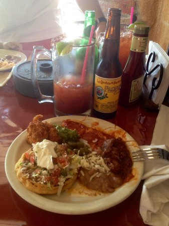 Covina, Californie : Buffett ...riquisima comida mexicana :)