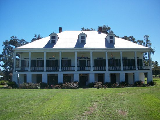 St. Joseph Plantation : View of the front of the plantation