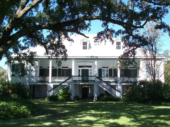 St. Joseph Plantation : View of the back