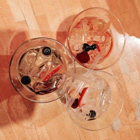 L'Ingordo 1996 : Gin 50 pound lemonade frutti rossi...