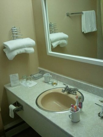Colonial Resort & Spa: bathroom
