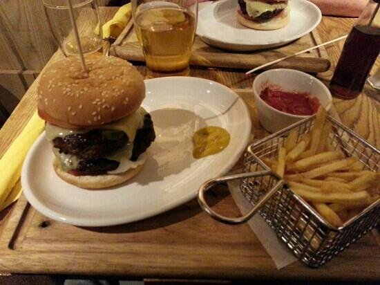 Captain Jacks: Carribean Hot 12oz burger. ..nice !!