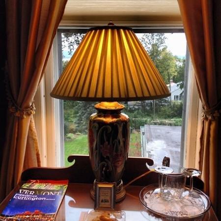 The Willard Street Inn: room
