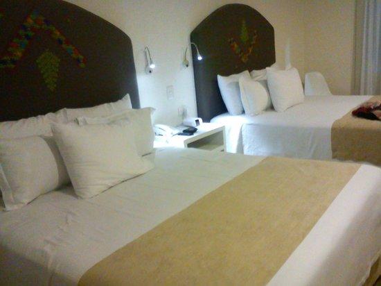 Descansería Hotel Business and Pleasure : Habitación doble