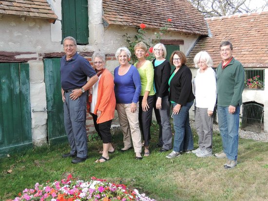 La Pillebourdiere: Here we are with the owner, Sue, third from left.