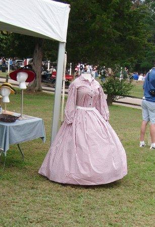 Ames Plantation: Civil War era dress
