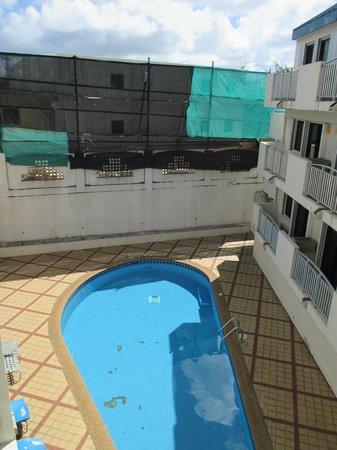 Guam Airport Hotel: Pool