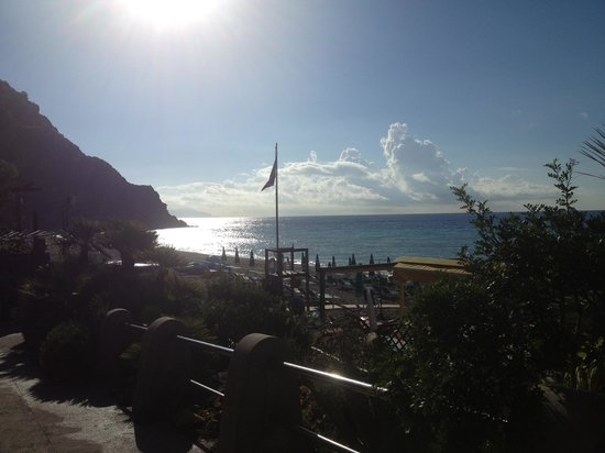 Hotel Parco Smeraldo Terme : Spiaggia maronti al mattino