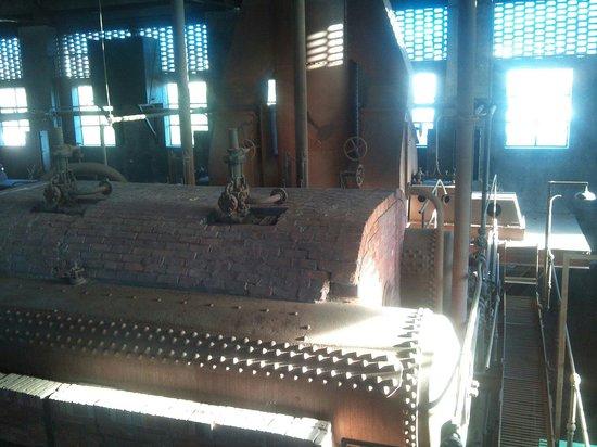 La Fabrica de Luz. Museo de la Energia: Museo de la Energía - Calderas -