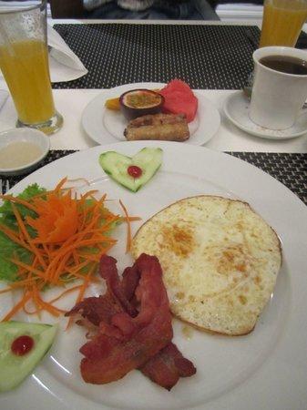 Calypso Suites Hotel: Breakfast!