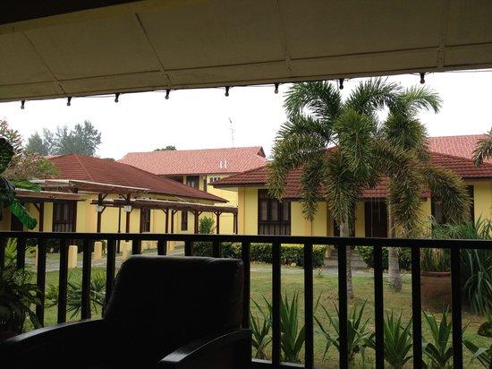 Pelangi Balau Resort: The so called 'Villa'. Villa of cockroaches!!
