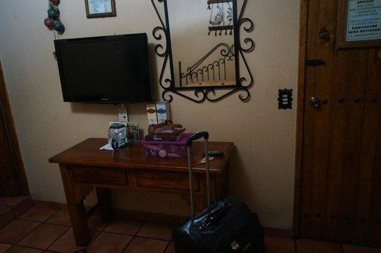 Hotel Hacienda del Sol : tv, aire acondicionado!