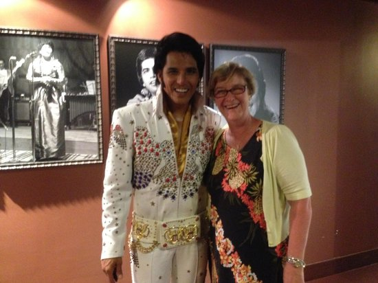 Rock-A-Hula : Elvis and Me :)