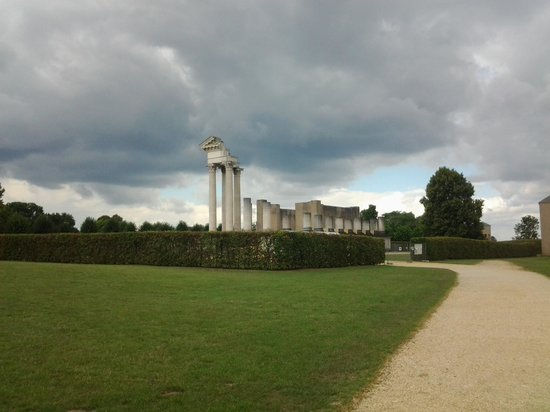 Archaeologiepark Xanten: view of the temple