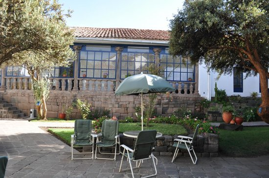 La Casa de Fray Bartolome: It is possible to bring your breakfast to the patio