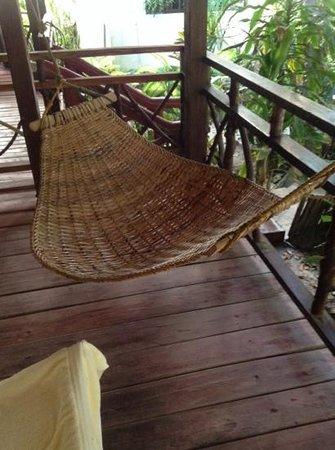 Boracay Beach Resort : a hammock at the room entrance gives you that tropical feel