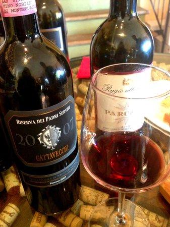 Gattavecchi Winery: Delicious Vino!