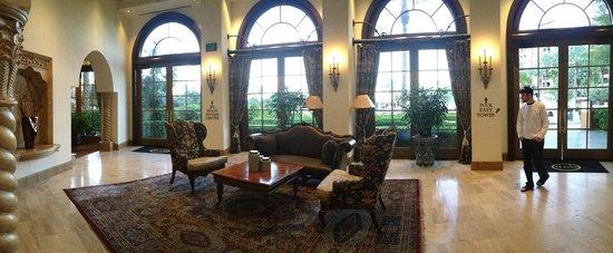 Green Valley Ranch Resort and Spa: Main Lobby