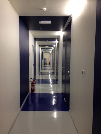 Boutique Hostel Forum: The hallway to the room