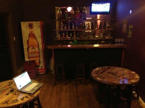 Intro Hostels Cusco: bar