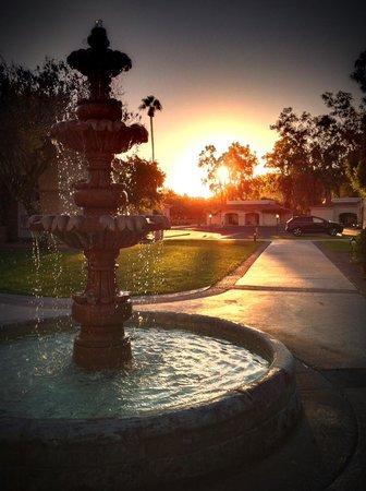 Scottsdale Plaza Resort : Sunset