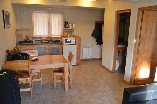 Las Golondrinas Apart Hotel: El Comedor y la Cocina
