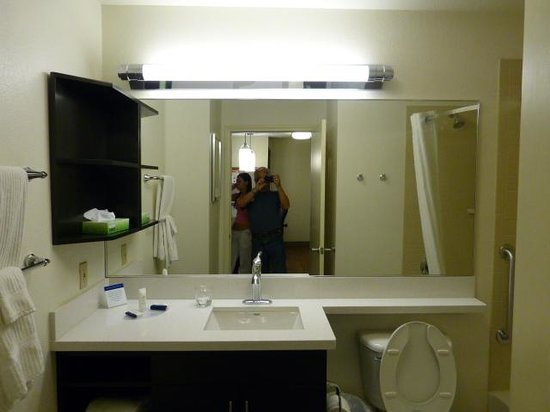 Candlewood Suites Las Vegas: Bathroom