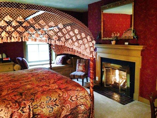 Woolverton Inn: Amelia's Room
