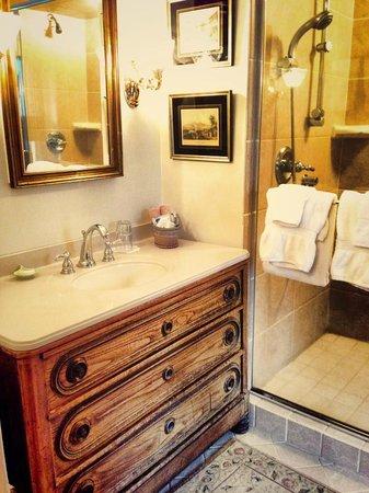 Woolverton Inn: Bathroom