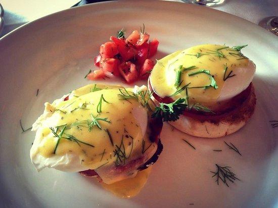 Woolverton Inn: Eggs Benedict