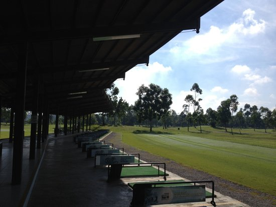 Eastwood Valley Golf & Country Club: Driving range